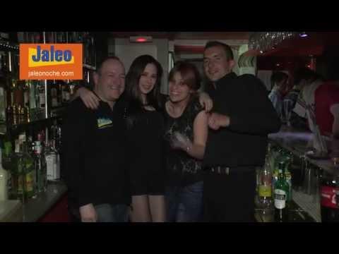 Bar discoteca Jaleo - El local con gente celebrando fiestas, cumpleaños