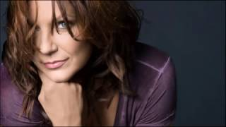 Martina McBride - Everybody Wants To Be Loved
