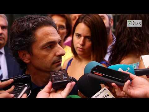 CONCENTRACIÓN DE REPULSA EN LA OFICINA DE TURISMO DE BADAJOZ