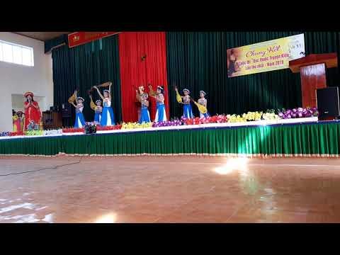 Văn nghệ chào mừng hội thi đọc thuộc truyện Kiều
