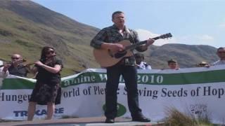 Damien Dempsey - Choctaw Nation - Live at Afri Famine Walk 2010