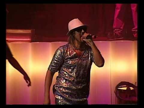 Los Auténticos Decadentes video La marca de la gorra - Teatro Coliseo 2006