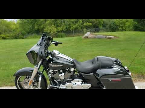 2018 Harley-Davidson Street Glide® in Big Bend, Wisconsin - Video 1