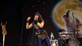 Bat For Lashes - Two Planets (Glastonbury 2009)