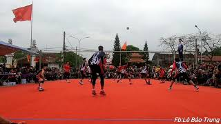 Pha vét vạch 3m của Đoàn Đức Đội tại hội làng Tiên Hội năm 2019