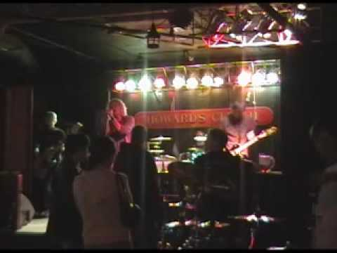 "Echo Hill ""Heaven"" - Live at Howards Club H"