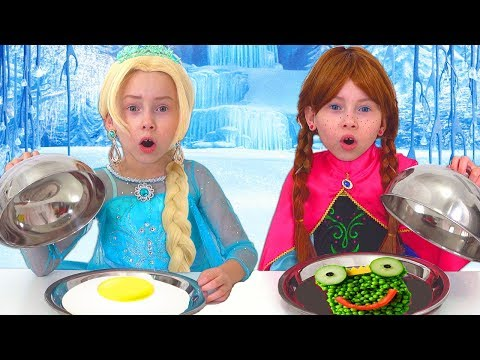 Frozen Elsa And Anna on Food COOKING Competition (видео)