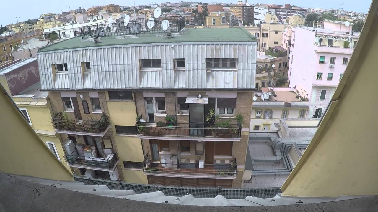 3 Sunny rooms in student apartment near University of Rome