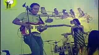 preview picture of video 'Solos de Guitarra - Materia Gris - Tuxpan, Ver.'