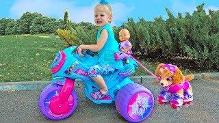 Приключения Скай в парке аттракционов для детей