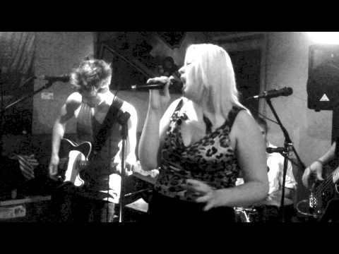 Jacqui Walker Band @DogsBar