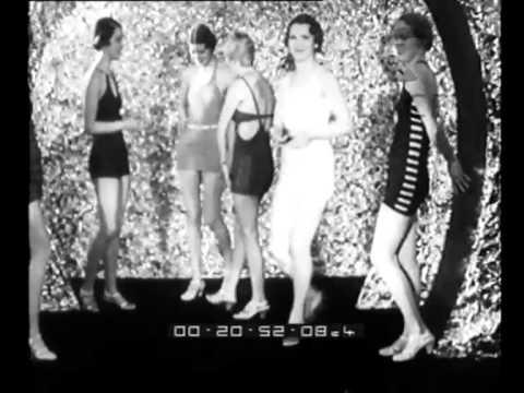 Moda femminile: pigiami e costumi