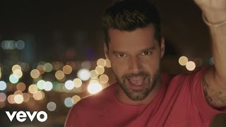 Ricky Martin La Mordidita Official Video ft Yotuel (Al Reves)