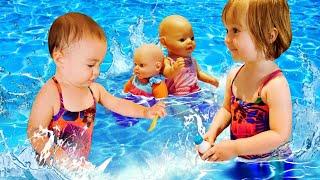 Бьянка и Марта в бассейне. Привет, Бьянка!