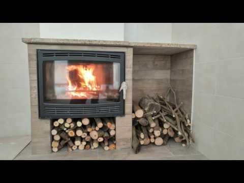 Montaggio termocamino a legna ad aria ventilata e canna fumaria