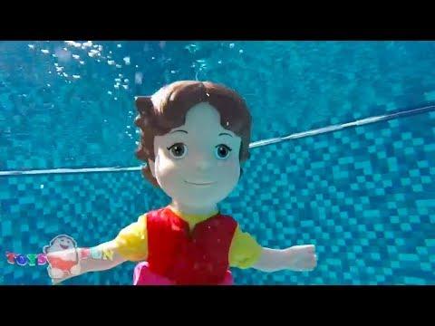 Heidi Zeichentrickfilm Puppe schwimmt im Schwimmbad Wie schwimmt Heidi und die Geschwister