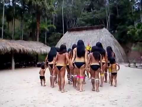 Dança das mulheres Kuikuro