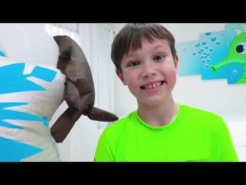 Катя и Макс открыли огромное яйцо с игрушками Холодное Сердце 2