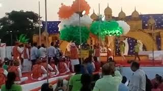 Большой взрыв воздушных шариков на празднике - Видео онлайн
