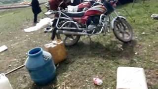 preview picture of video 'Khampas nómadas tibetanos.(Drokpas)Tagong-TIBET.AVI'