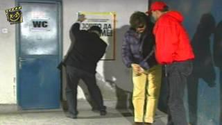 K-15 - Cekanje red za wc
