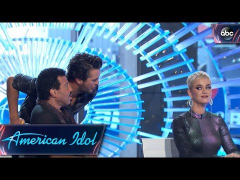 Katy Perry Shows off Her Hidden Talent - American Idol 2018 on ABC