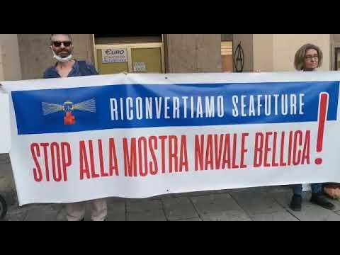"""La manifestazione pacifista """"Riconvertiamo Seafuture"""""""