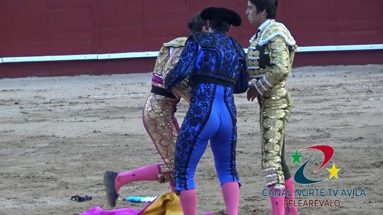 Одноглазый матадор лишился скальпа в схватке с быком в Испании