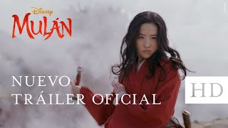 """La aclamada cineasta Niki Caro le da vida al épico relato de la legendaria guerrera china en la nueva película de Disney, MULÁN, en la que una joven valiente arriesga todo, por amor a su familia y a su país, para convertirse en una de las más grandes guerreras que China haya conocido.  ¡Haz click en """"Suscribirse"""" para ser el primero en ver los nuevos videos de Walt Disney Studios!  Sitio Oficial: http://www.disneylatino.com/peliculas  Síguenos en:  Facebook: http://www.facebook.com/DisneyStudiosLA Twitter: https://twitter.com/DisneyStudiosLA Instagram: https://www.instagram.com/DisneyStudiosLA/"""