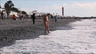 Искупаться в Черном море в ноябре. Это кайф, ребята!))