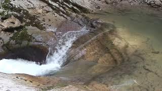 Узкоколейная железная дорога в Гуамском ущелье. Река Курджипс