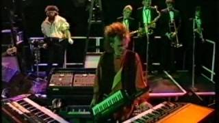 Howard Jones - Things can only get Better + Look Mama (live)