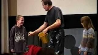 Spectacle pour enfants, clown : Daniel Juillerat, le monde magique de l'animation