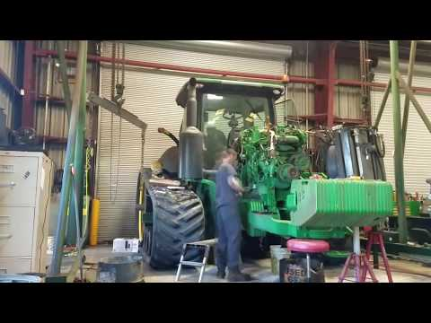 Time Lapse | Engine Overhaul | John Deere 8360RT Large Ag Tractor