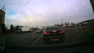 Смотреть онлайн Неожиданное ДТП с участием BMW и ГАЗели