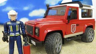 BRUDER Toys/Spielwaren deutsch: Land Rover Defender Station Feuerwehrauto 02596