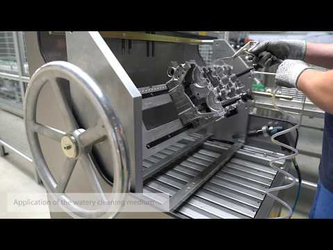 BvL cleaning system NiagaraDFS: efficient cleaning for engine refurbishment