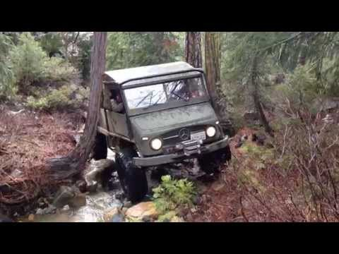 UNIMOG And Jeep Crawl Creek