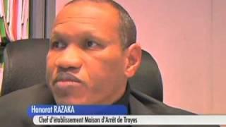 preview picture of video 'Troyes : Un détenu agresse un surveillant !'