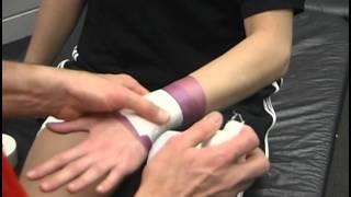 手首のテーピングをして手首の捻挫などの予防をしよう!
