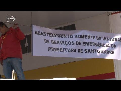 Posto em Santo André tem fila quilométrica para abastecimento