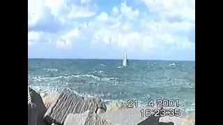 preview picture of video 'Sienda. Entrance in Castelsardo's harbour'