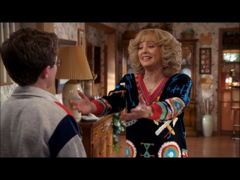 7 Reasons Why Beverly Goldberg is Our Favorite TV Mom!