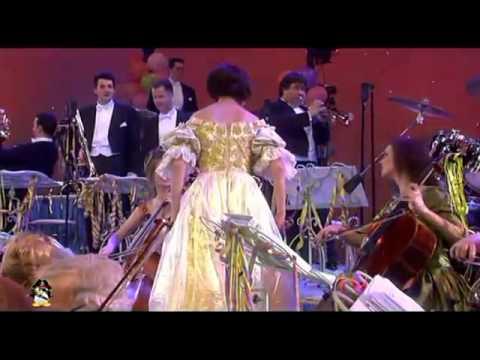 André Rieu Nos Sorprende a Ritmo Del Rock