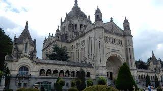 preview picture of video 'Normandie-7   Basilique Ste Thérèse de Lisieux  (Normandie)'