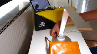 LED Schreibtischlampe TaoTronics , 5 Helligkeitsstufen/Farbtemperaturen , USB-Ladeanschluss