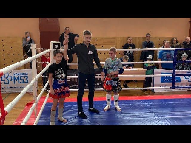 Сотня боксёров в ангарской школе
