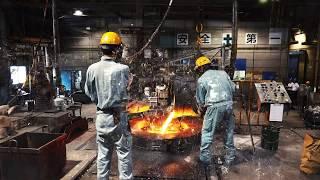 マンホール工場見学|nippon.com