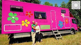 Leben im lila Laster - Mit Waschmaschine und Motorradgarage