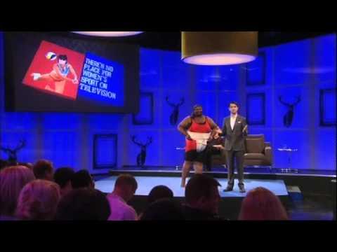 Jimmy Carr argumentuje proti ženskému sportu v televizi